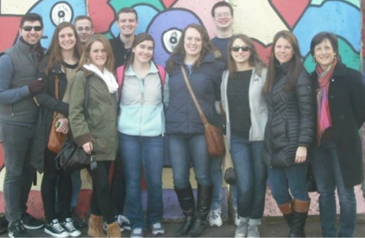 Group photo of Students in front of the Berlin Wall